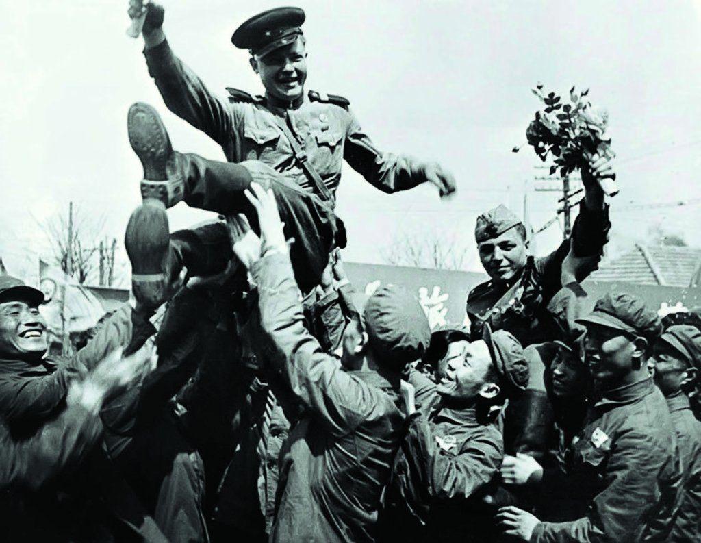 картинки про день победы черно белые онил